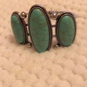 Plunder turquoise bangle